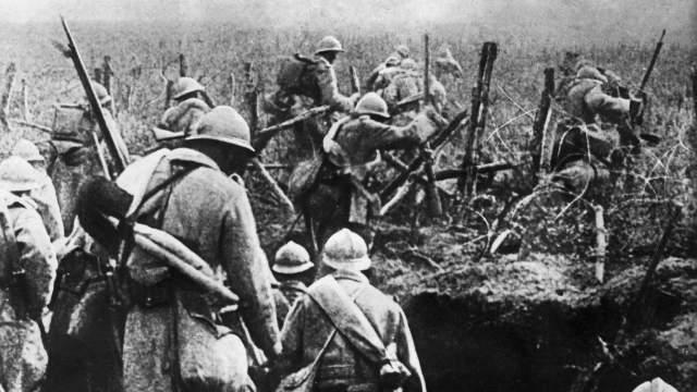 Civiles y militares en la Primera Guerra Mundial © Dalongeville